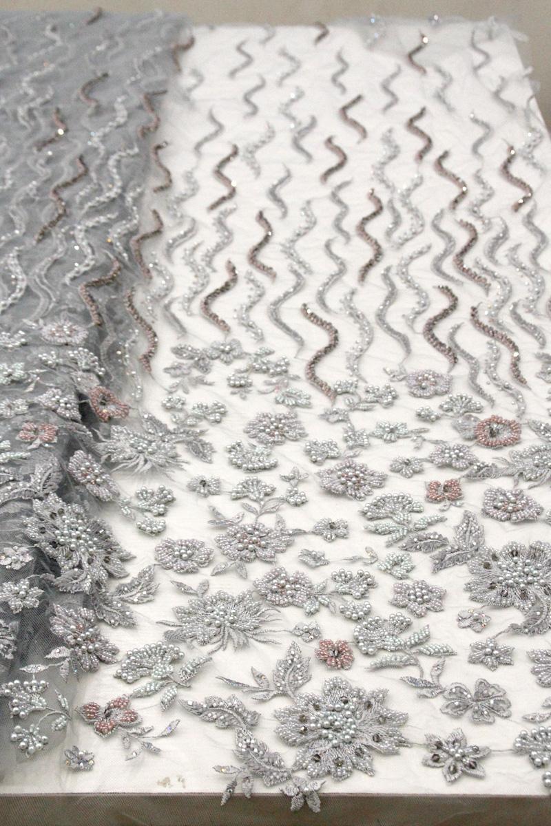 пепельно-серые вышитые бисером цветочные кружевные ткани