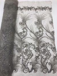 tela de encaje con cuentas plateadas gris ceniza
