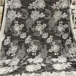 tela de encaje con cuentas de bordado de tela de encaje de boda nupcial blanquecino